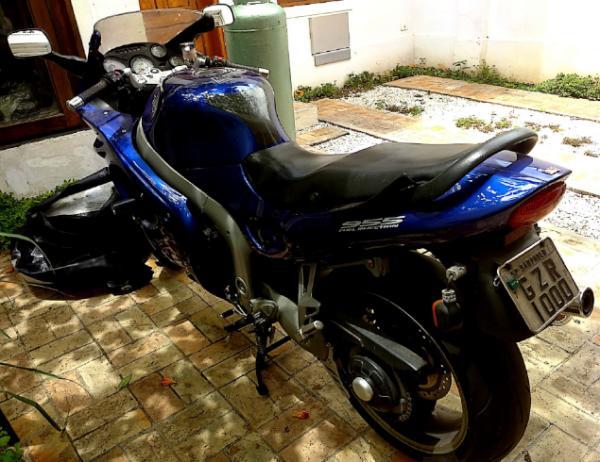 Motocicleta IMP/Triumph Sprint ST 00/01
