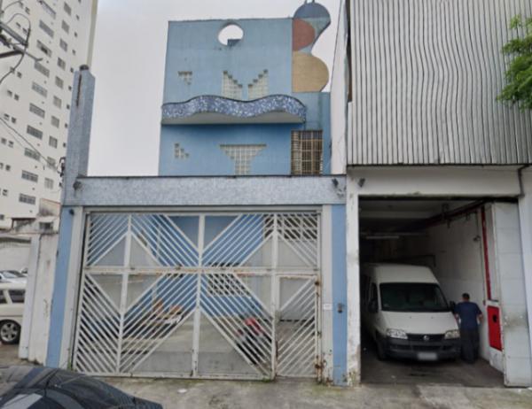Prédio comercial e terreno na Vila Carrão
