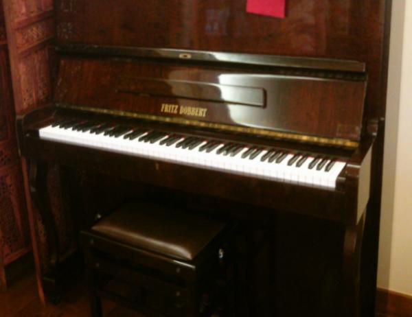 Piano de madeira Fritz Dobbert