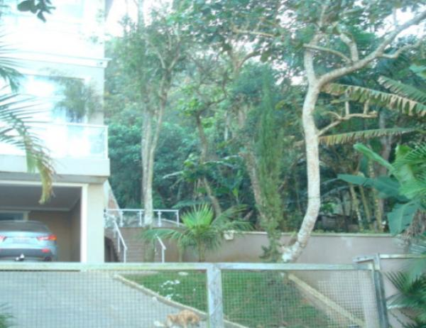Casa na Rivieira Paulista com deck para represa Guarapiranga