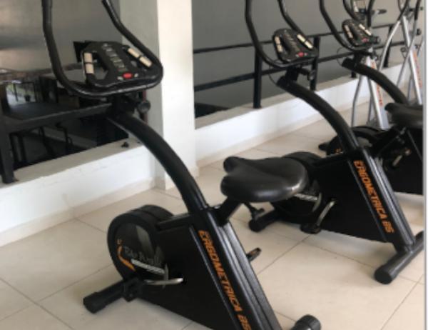 Bicicletas ergométricas e equipamentos elípticos el 200 biowalk