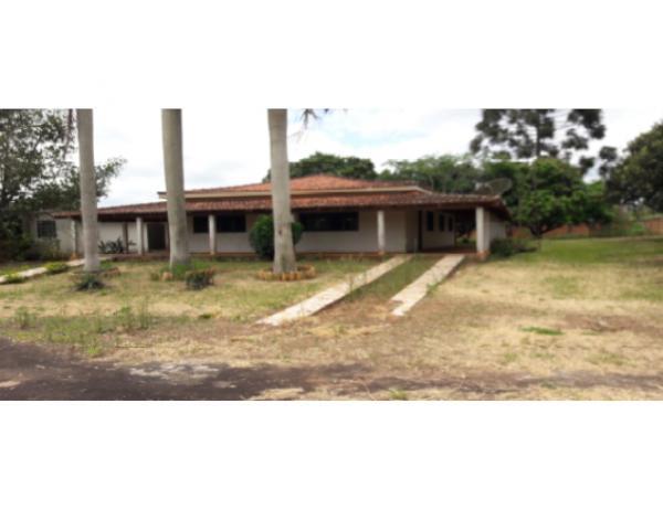 Diversos galpões e casas em Itaporanga